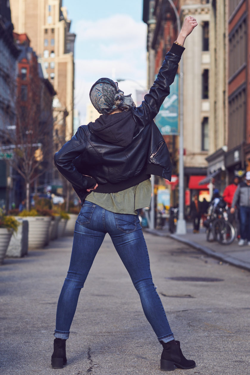 Fuji X Pro2 with xf 56mm f1.2 - Portrait LIfestyle Photography - Model Alli - Union Square Park - New York