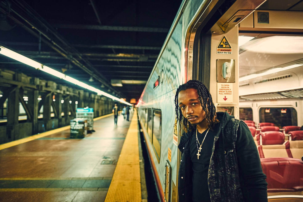 Fuji X Pro2 with xf 16mm f1.4 - New York portrait photography in Grand Central Station - Model: Idris
