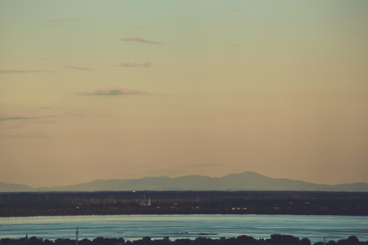 Canon 5D Mark iii with ef 50mm 1.8 - Landscape Photography from a Balcony in Montreal